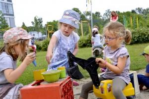Spielen im Garten 05_20